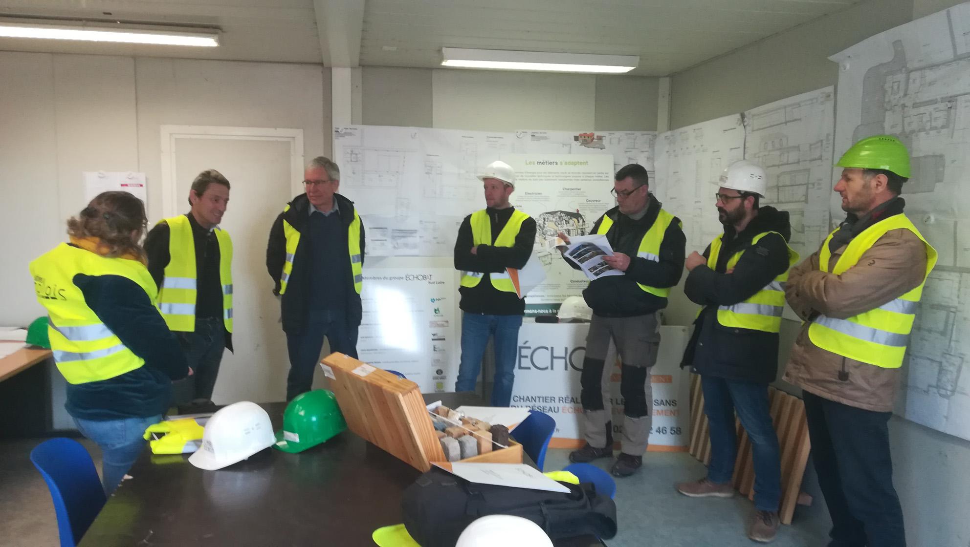 Générer des vocations dans l'écoconstruction chez les personnes éloignées de l'emploi - Étape 1 : la visite de chantier